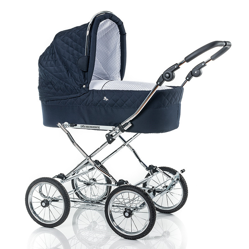 Classical pram with solid tub